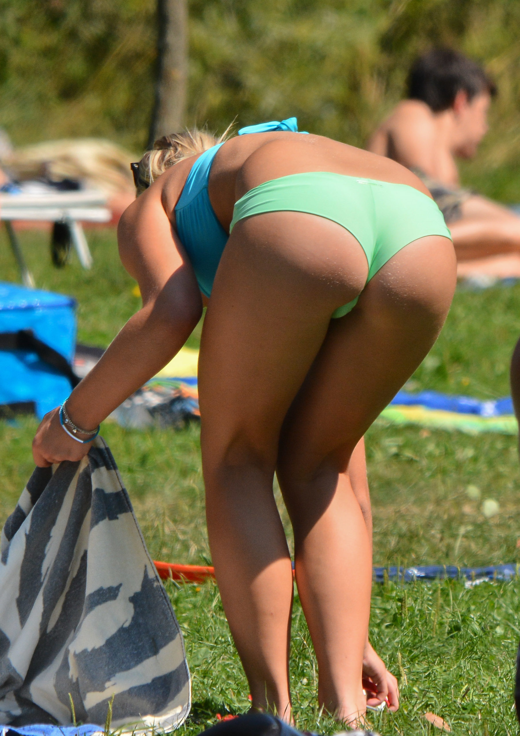 bikini babe with perfect ass